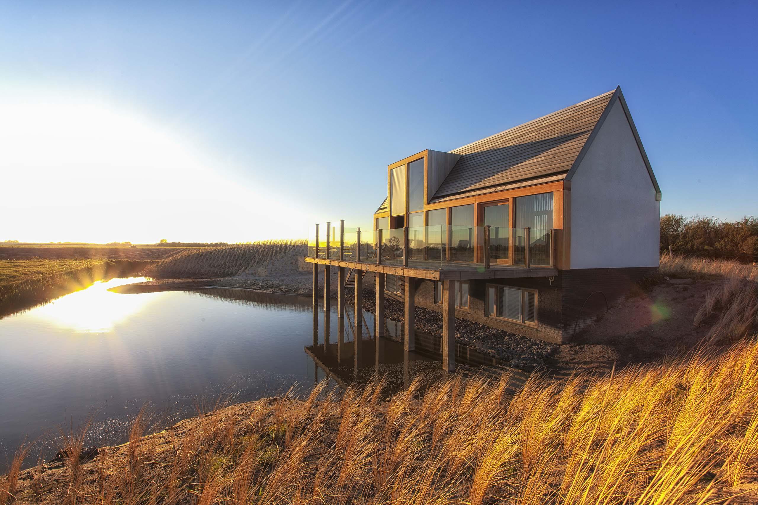 Luxe vakantiehuis op Texel Waddenlodge Zomerhuis Vrij uitzicht Prive strandje